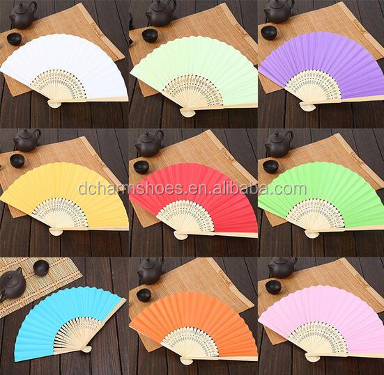11.11 Hot selling women pictures chinese hand fans for sale with logo