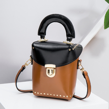 New Korean Fashion Girl Messenger Bags Unique Rivet Shoulder Mix Color Ladies Casual Mobliephone Purse Leather Crossbody Box Bag