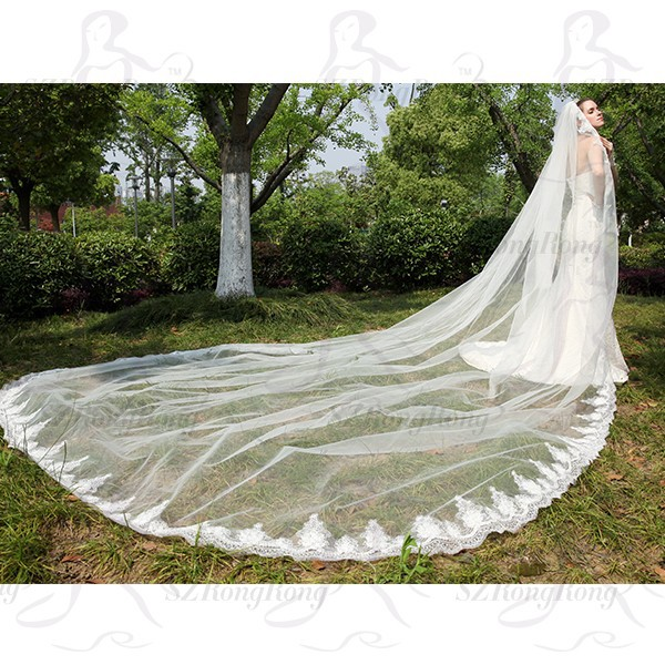 2015 Wedding Veils Bridal Accessories 4 Meters Cathedral Train Lace Edged Mantilla Veil