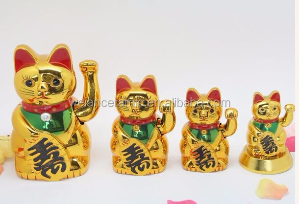 Plastic Gold Lucky Cat for home decoration fengshui hand waving Wholesale Lucky Cat
