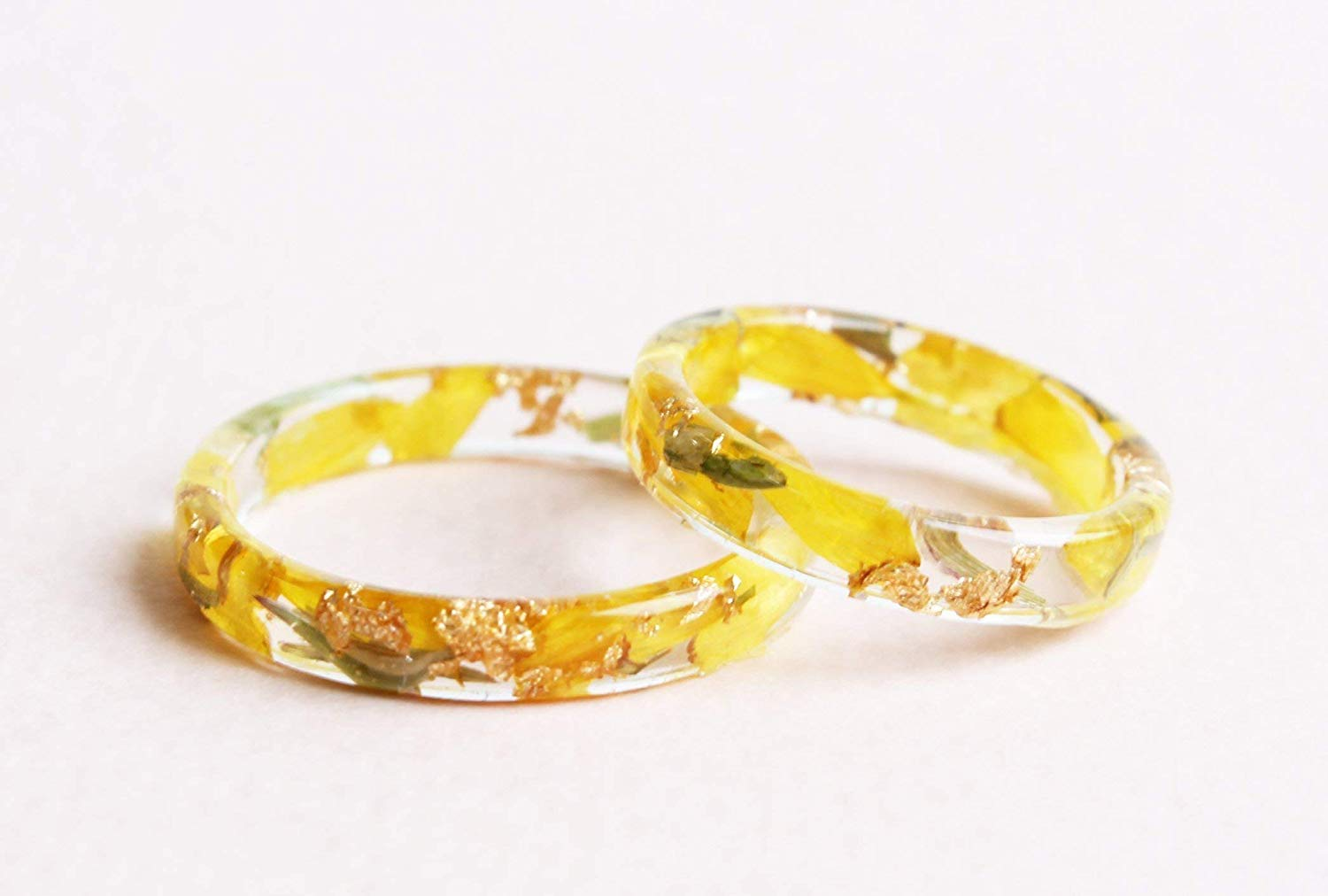 Nature Resin Ring Band with Natural Pressed Golden-Daisy Petals, Green Leaves and Gold Flakes