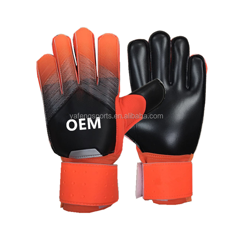 oem Football gloves customized high quality soccer goalkeeper gloves with finger protectors