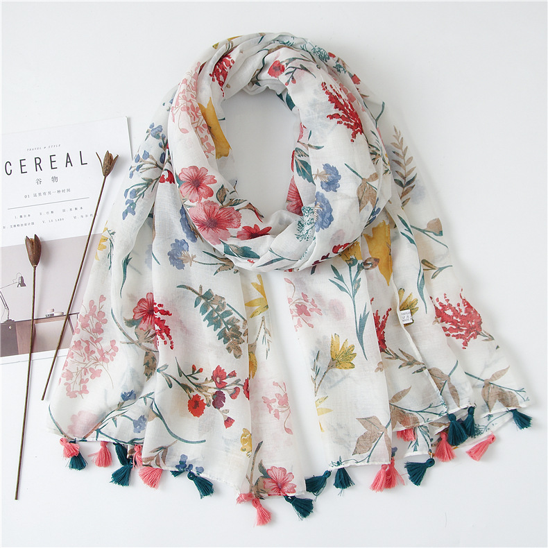 Wholesale 2018 latest custom women scarf fashion colorful flower printed tassel polyester hijab