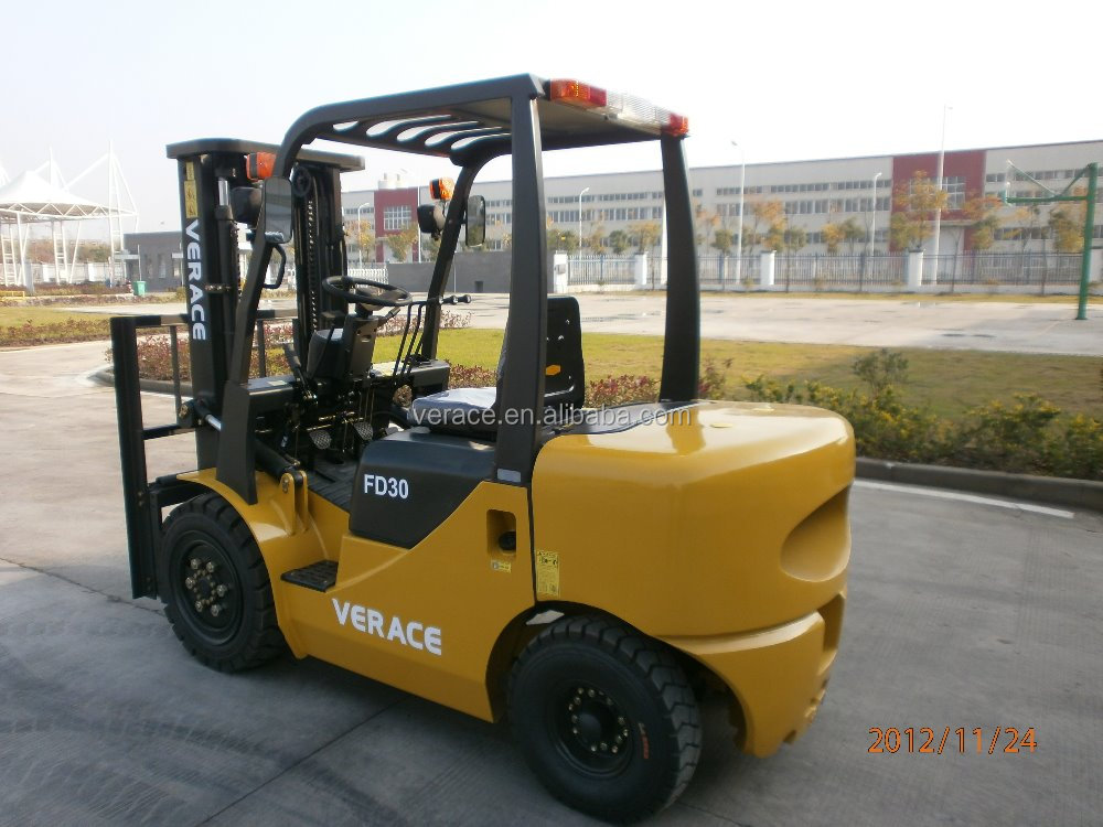 Direct deal FD25 2.5t Diesel Forklift Truck packing by carton paper