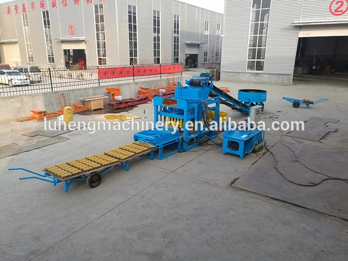 Semi Automatic vacuum fire clay brick maker soil red brick mud extruder clay brick making machine price