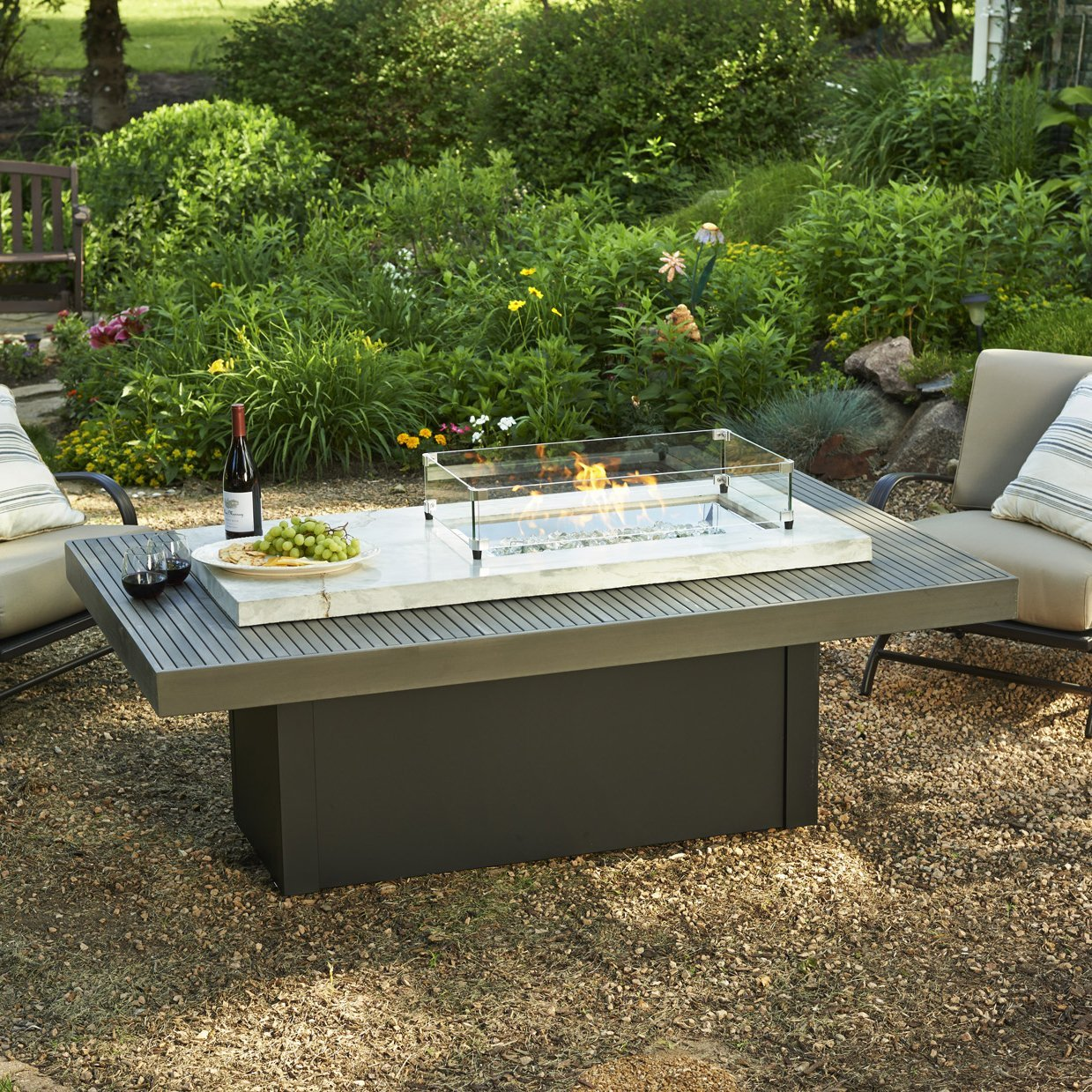 Outdoor Great Room Crystal Fire Coffee Table Onyx Top, White