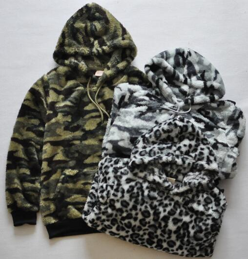 2017 spring Fashion womens and mens casual and comfortable camouflage/leopard print design sherpa fleece hoodies