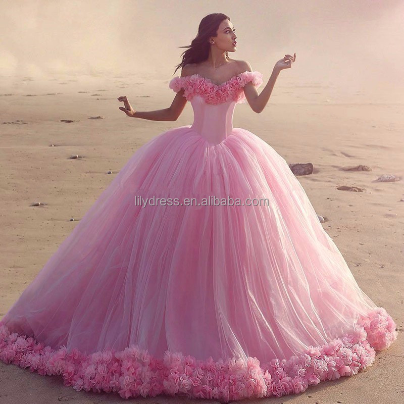 QD1513 2017 Gorgeous Pink Tulle Quinceanera Dresses Sexy Off The Shoulder Ball Gown Quinceanera Dress with Flowers Sweet 16