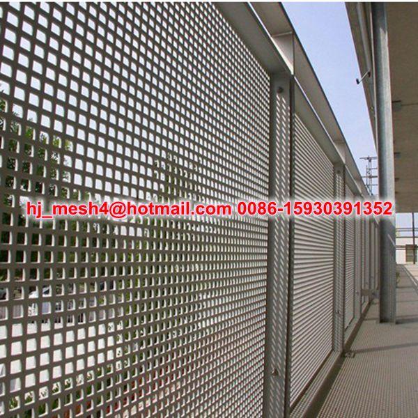 lochblech gel nder balkon metallische baumaterialien. Black Bedroom Furniture Sets. Home Design Ideas