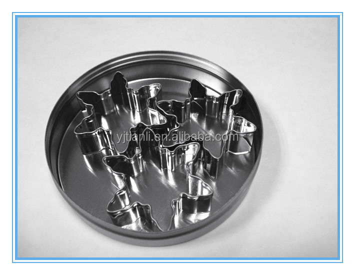 Various kinds of stainless steel snowflake cookie cutters sets Tin box Package