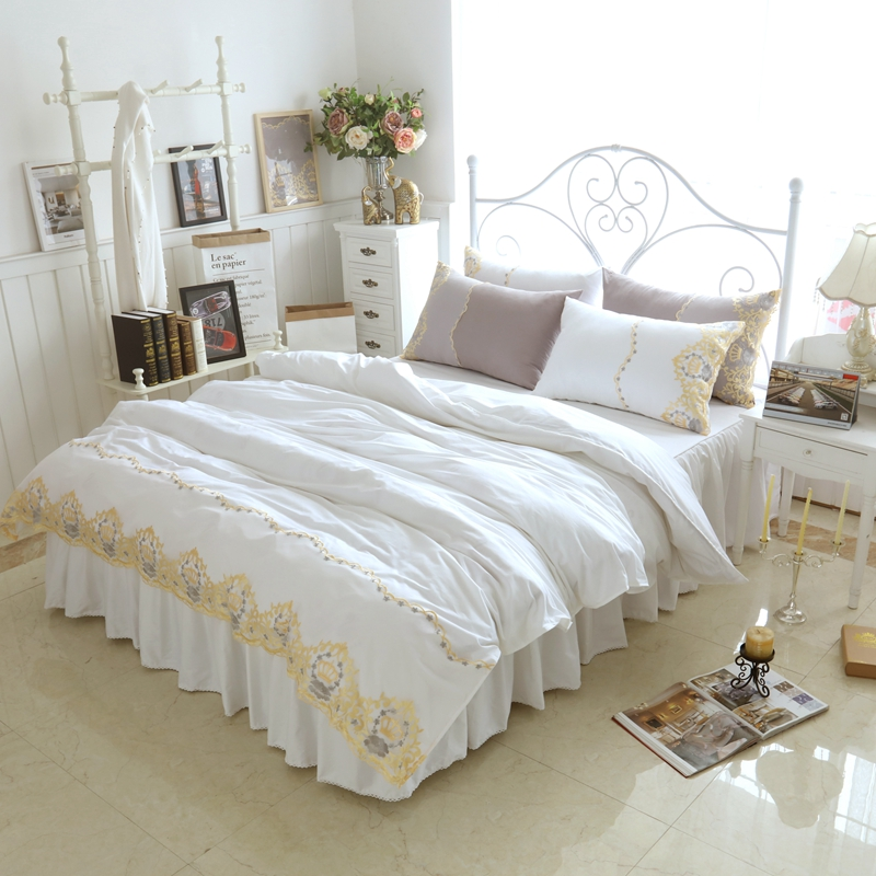 popular bed crowns buy cheap bed crowns lots from china bed crowns suppliers on. Black Bedroom Furniture Sets. Home Design Ideas