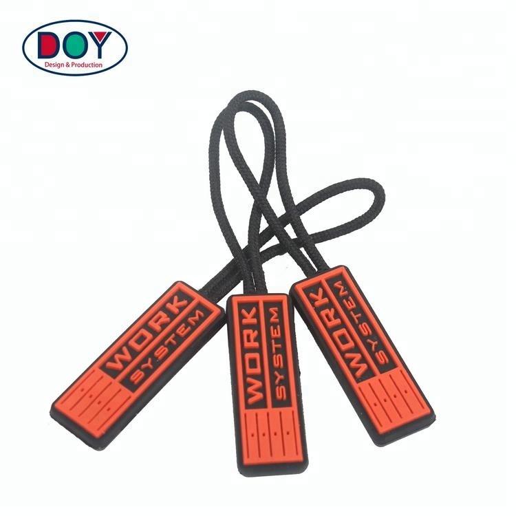 Gepersonaliseerde Ontwerp Custom Reliëf Naam Logo Fancy PVC Rubber Rits Trekt voor Handtas Decoratieve