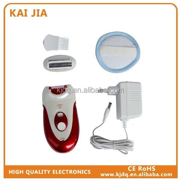 Electronic travel shaver / epilator with bag