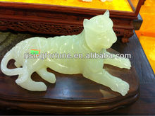 Small green onyx stone tiger decoration