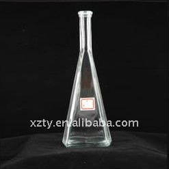 750 ml clair triangulaire pyramide forme whisky bouteille en verre