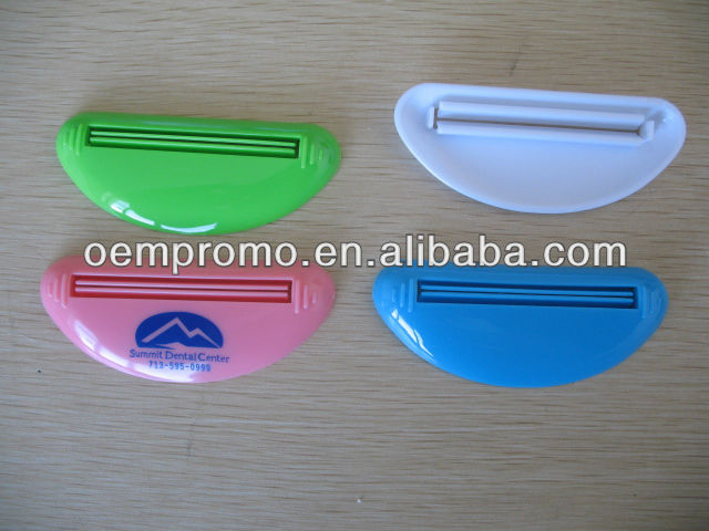 Promo Customized Pushing Save Tube toothpaste Squeezer