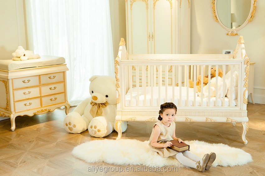 WY108 Luxury Golden Baby Bed Crib Wooden Design Royal Baby Princess Bed  Kids Bedroom Furniture