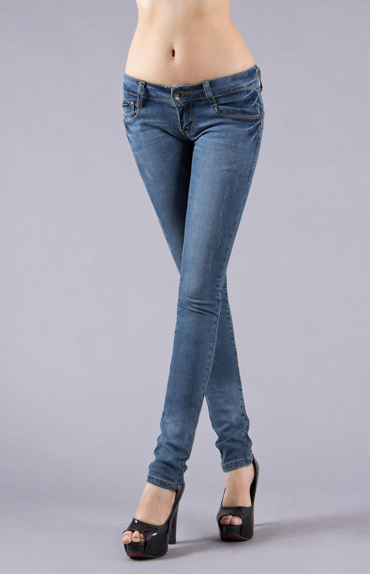 Skinny jeans are the perfect every-day fit and jeans with a little bit of flare make anyone look great!This list includes the most popular brands of women's jeans, including: Guess, Miss Me, Ralph Laure, Levi's, Michael Kors, Diesel, DKNY, True Religion, Lucky Brand, French .