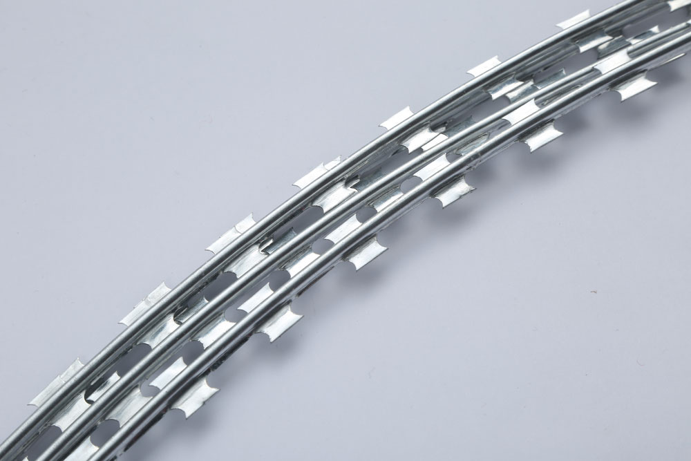 Hot Sale Cheap Concertina Wire Single Loop Barbed Wire