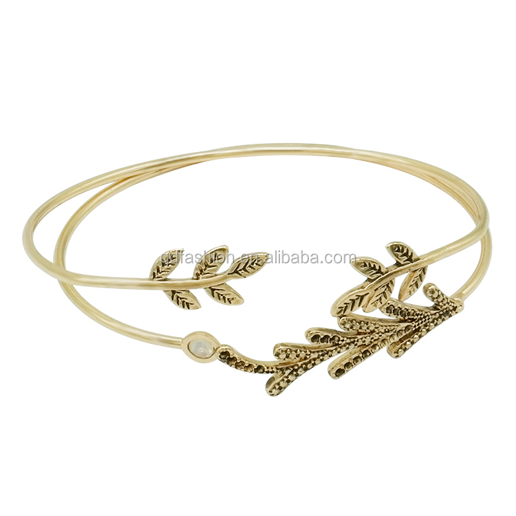 Wholesale Fancy Gold Hand Chain New Design Fish Bone Cuff Bracelet Design For Girls 2018