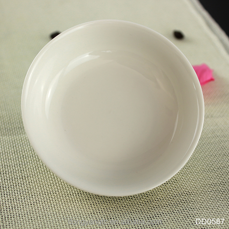 Factory direct wholesale custom white porcelain pet bowl, ceramic bird bowl