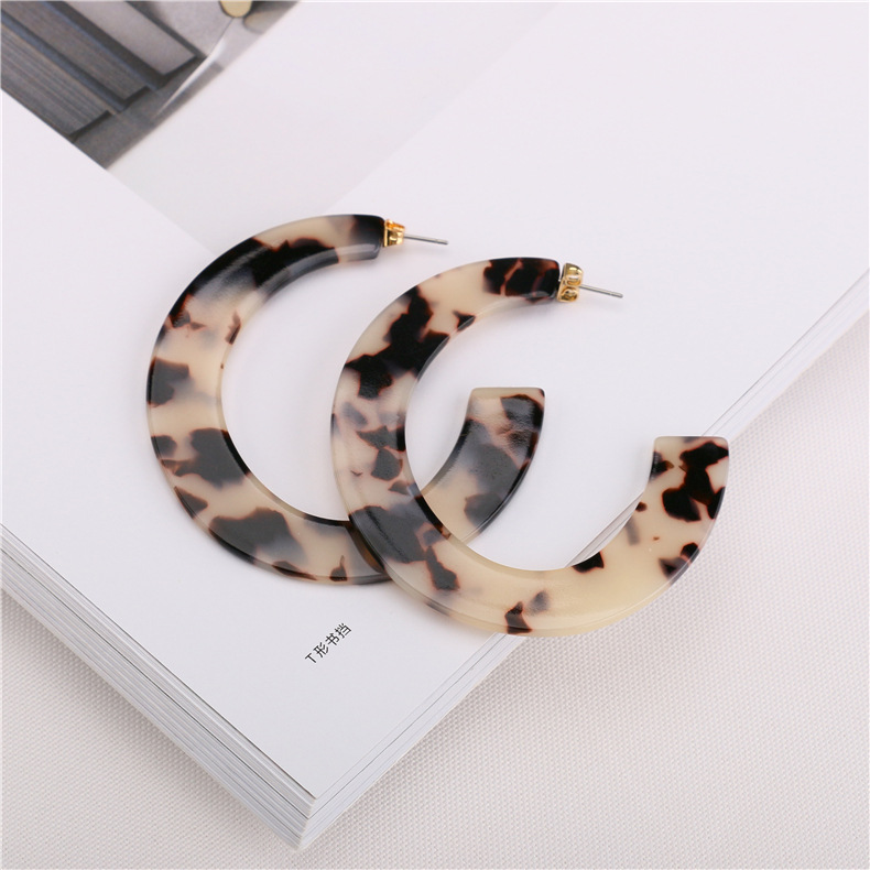 2019 Fashion women jewelry custom leopard print acrylic hoop earrings korean small resin hoop earrings