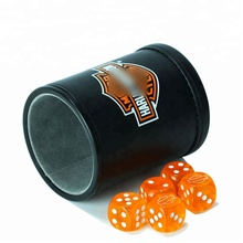 Hotel casino speciale high-end <span class=keywords><strong>dadi</strong></span> shaker <span class=keywords><strong>tazza</strong></span> con Manico Giochi <span class=keywords><strong>di</strong></span> <span class=keywords><strong>Dadi</strong></span>
