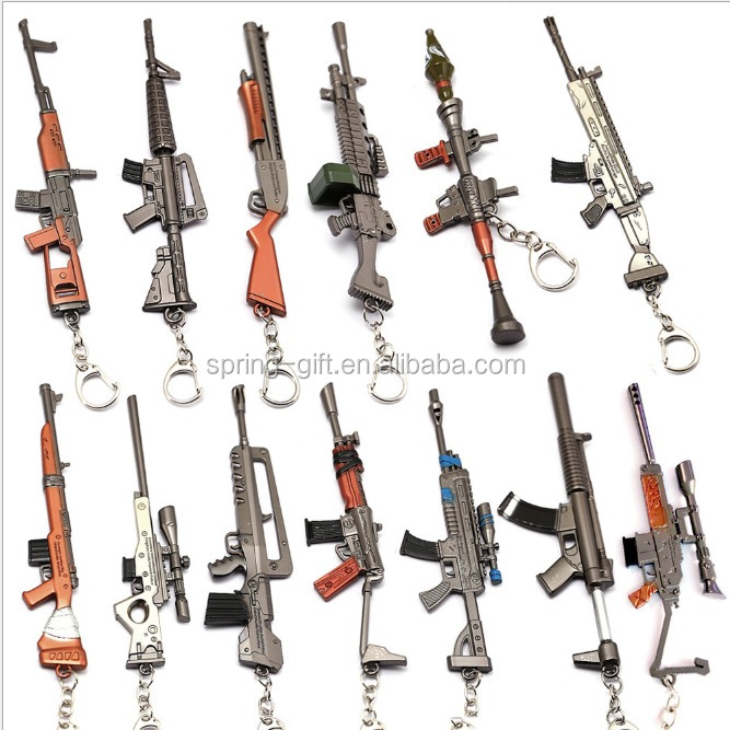 Games Weapon model Exquisite Mini gun keychain , metal military fans keyring , Submachine Automatic rifle keychain