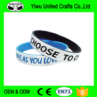 2017 OEM Cheap Debossed embossed rubber custom silicone bracelet silicone wristband