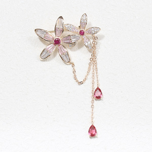 China wholesale cubic zirconia flower brooch with chain women pin accessories