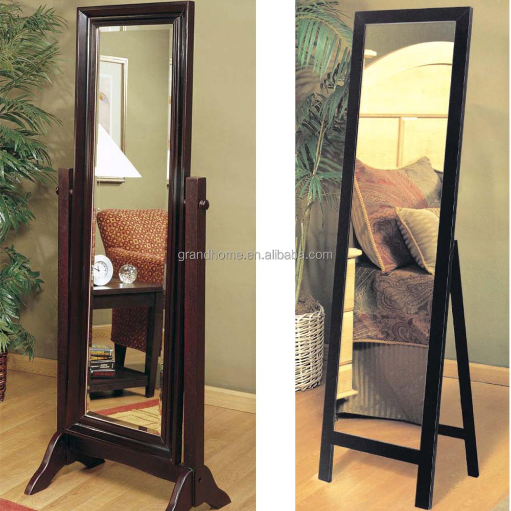 Espejos con marcos cabeceros espejos chester capitone for Espejos de pie de madera