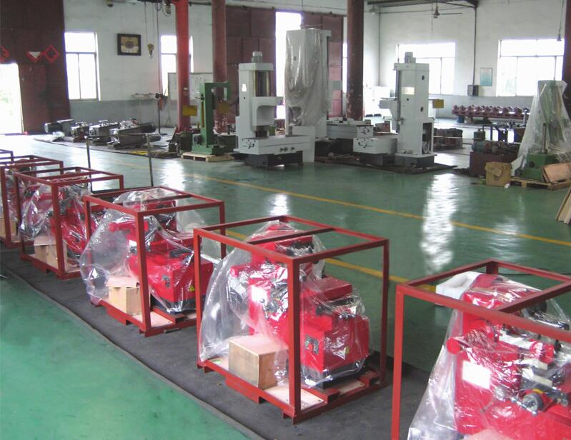 T8470 China Factory Price High Efficiency Vehicle and Cutting On Car Disc Drum Brake Lathe Machine