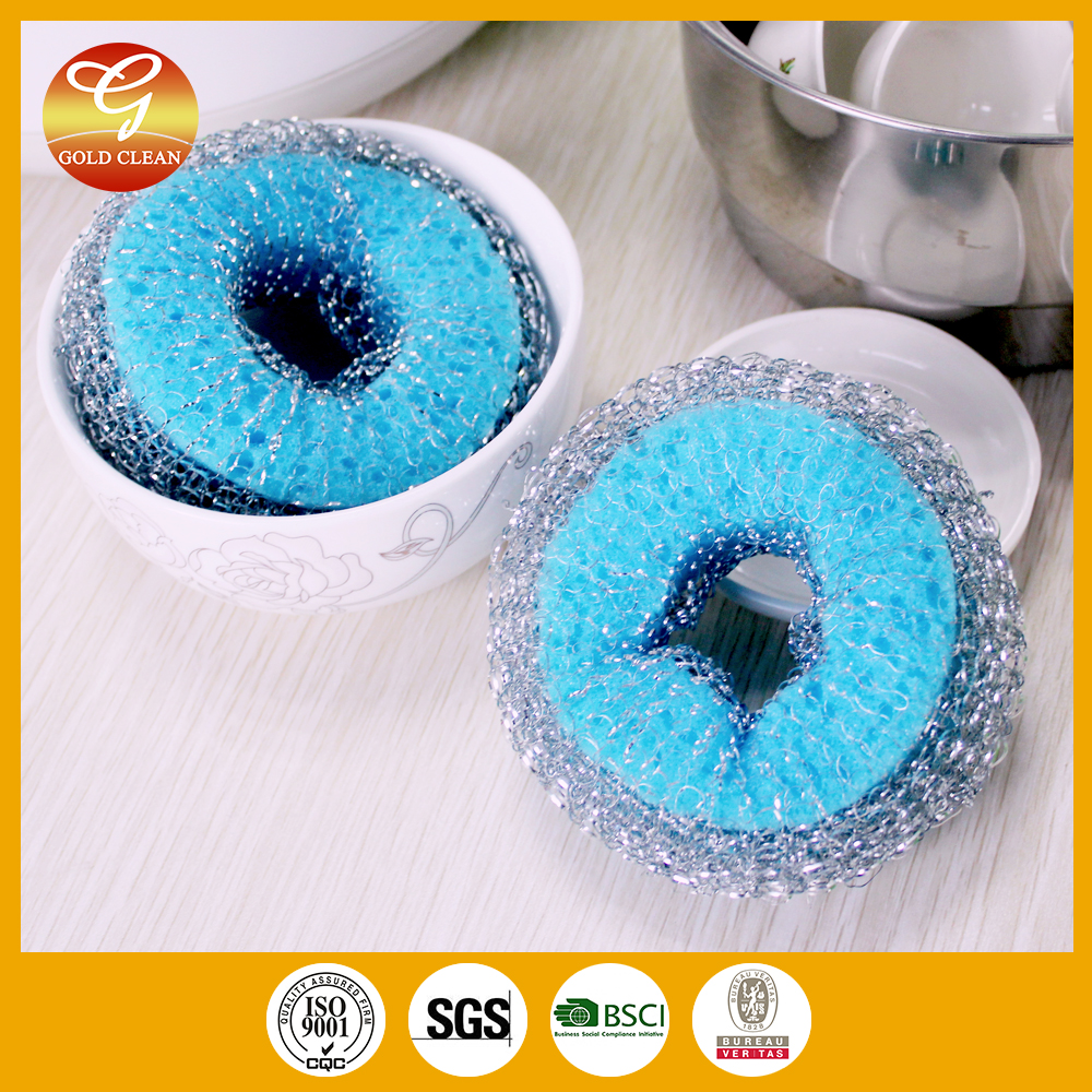 Metal cleaning mesh scourer