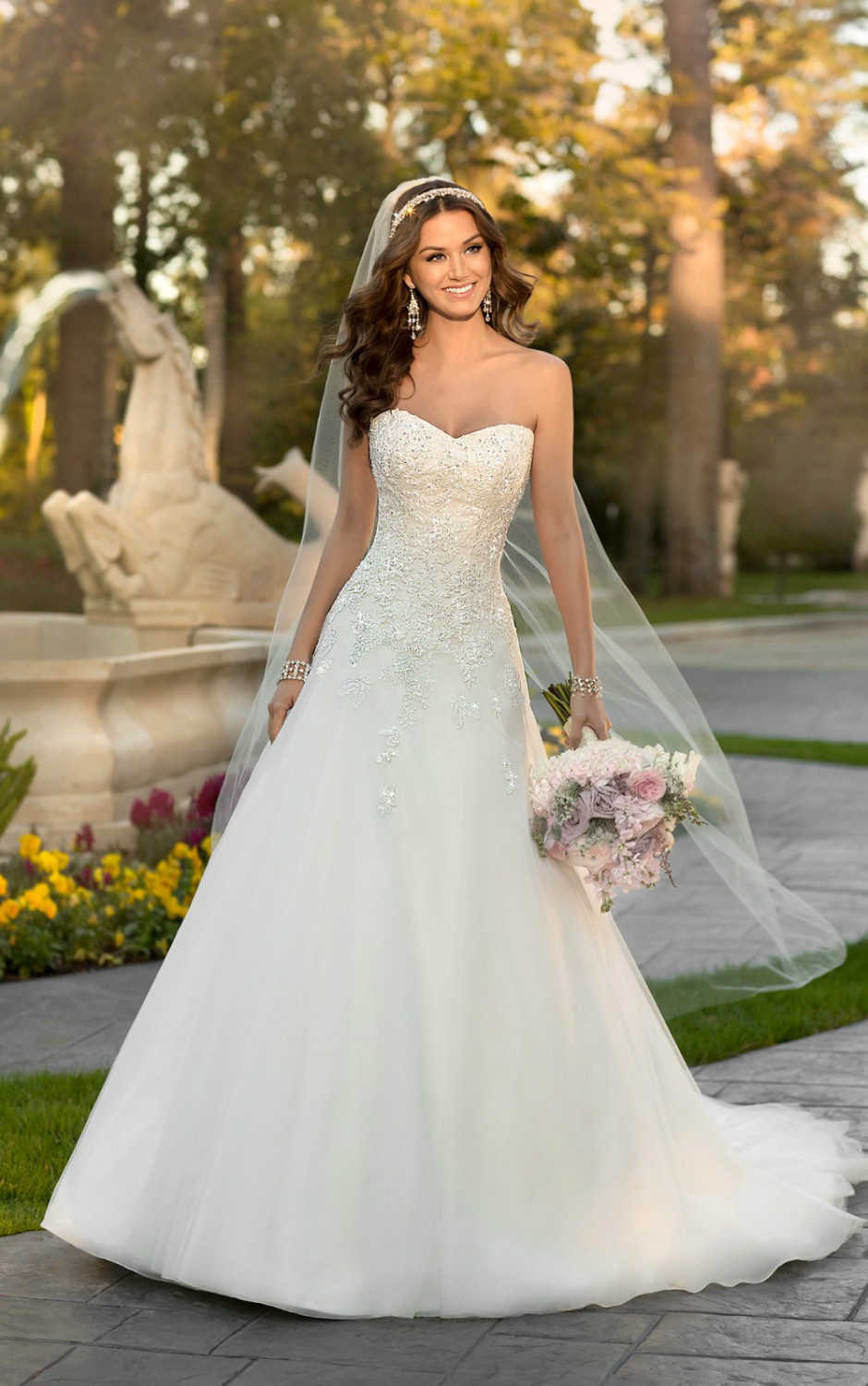 this-Lace-and-Organza-over-Dolce-Satin-A-Line-wedding ...