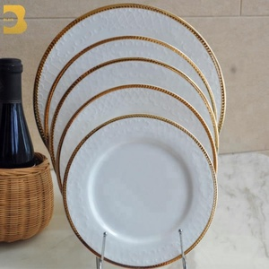 wholesale bone china ceramic 5mm gold rim dinner plates for weddings