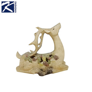 Home decoration indoor small deer shaped resin crafts christmas deer figurine