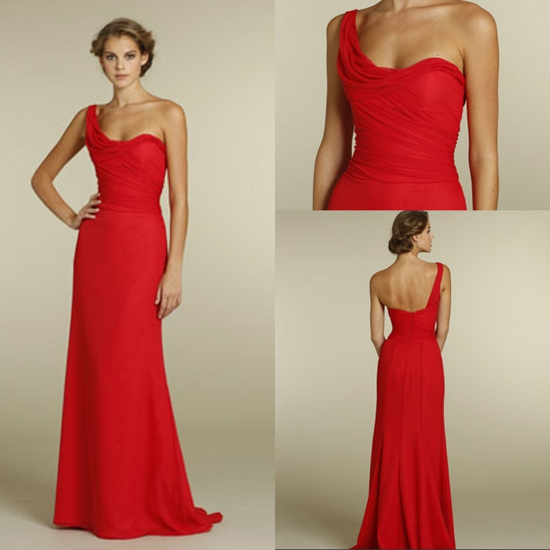 la mode des robes de france robe longue rouge et blanche. Black Bedroom Furniture Sets. Home Design Ideas