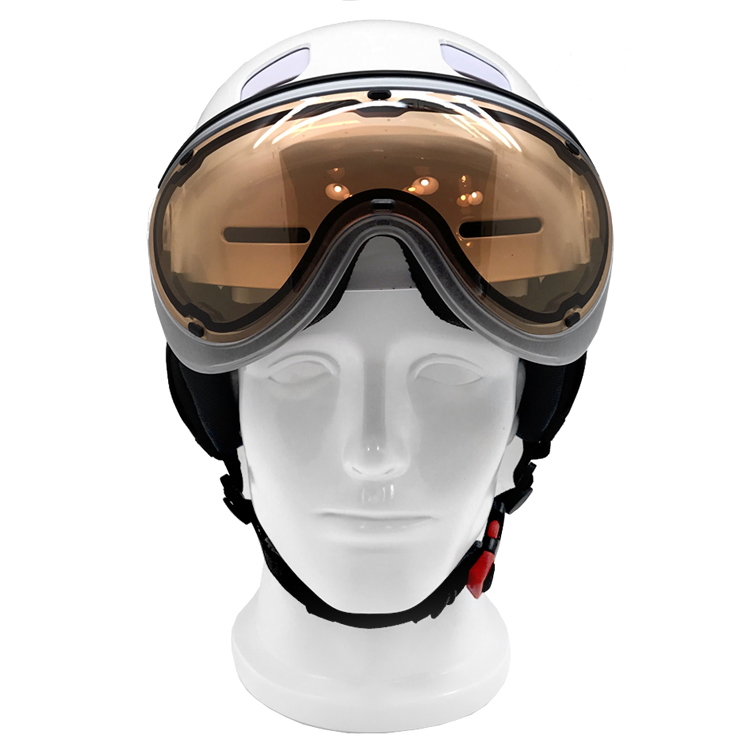 New Design Superior Ski Helmet With Visor