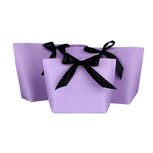 Women Paper Shopping Gift Bag Hot Selling Packaging Bag With Ribbon For Shopping And Gift