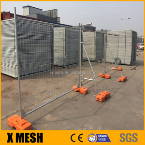 AS 4687 standard galvanized temporary fence panels with concrete block and clamp for Australia