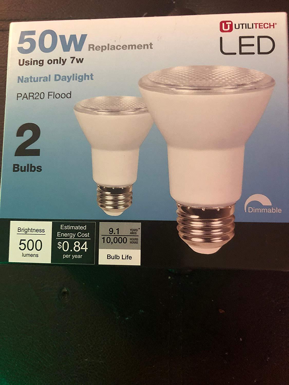 Utilitech 2-Pack 7-Watt (50W Equivalent) PAR20 777401 Flood Daylight 5000K Dimmable Indoor LED Flood Light Bulbs