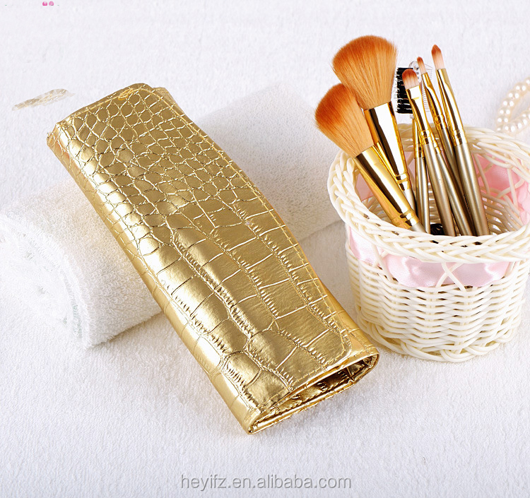 Synthetic Hair Wood Handle 7PC Gold Makeup Brus Set With Gold Crocodile Pouch