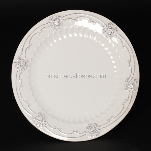 Cheap European porcelain ceramic microwave plate, customized embossed flower plate dishes for restaurant, hotel, home