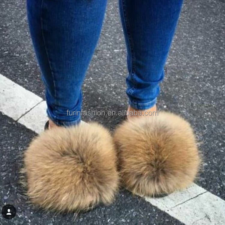 30a45438c8f5 Wholesale New Design Women Luxury Fur Slides With Real Raccoon Fur Slippers  for Traveling Summer Fur Sandals Sliders