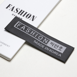 Customized Fashion Style Woven Label for Clothing