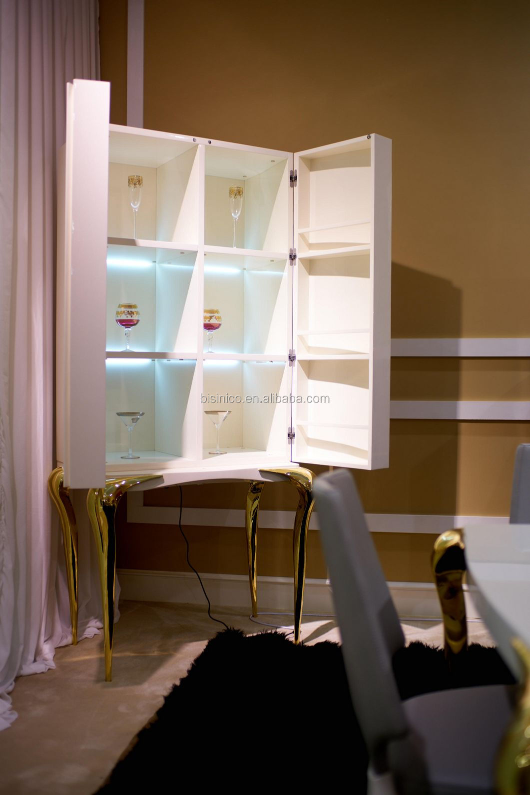 New Arrival Sleek and Luxurious Dining Room Two Doors Display Cabinet, White Cocktail Showcase With Four Golden Legs