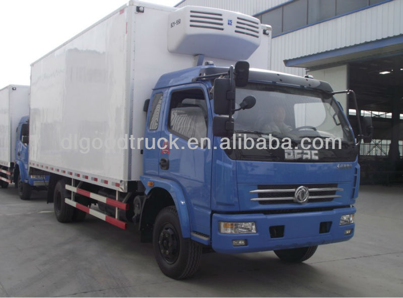 Dongfeng 4x2 mini refrigerated van truck