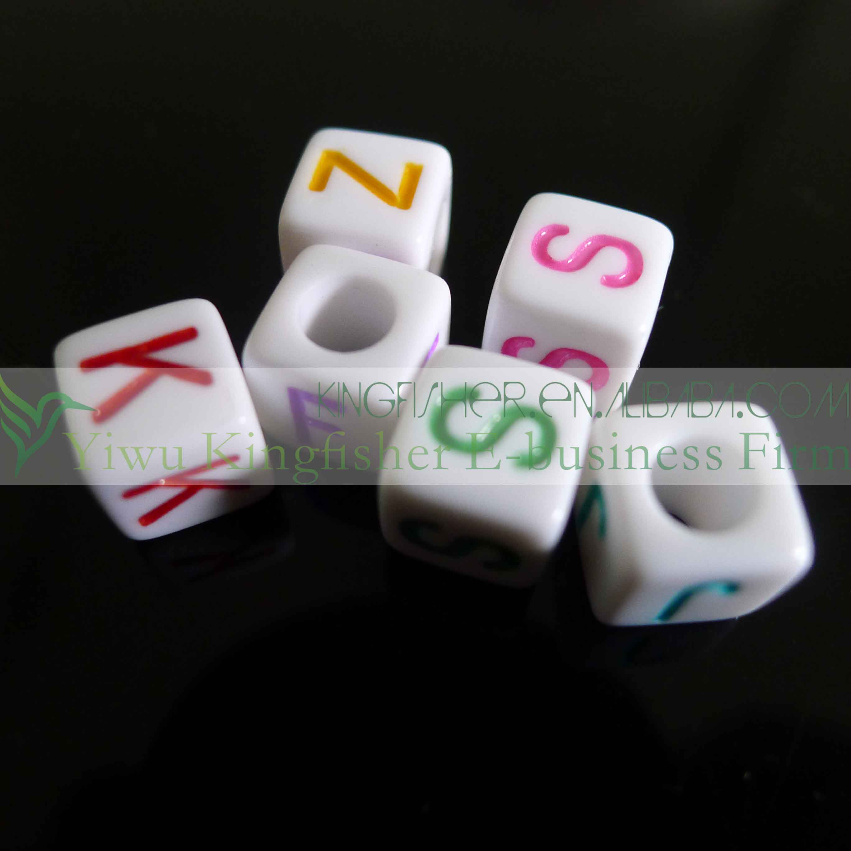 New Arrivals 7*7mm Cube Vertical Holes Acrylic Alphabet Letter ...