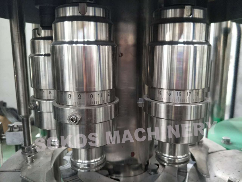 High speed vacuum perfume filling machine/water filling machine