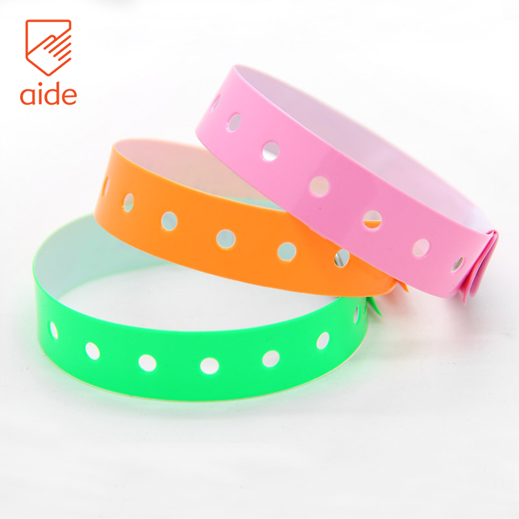 Custom Lockable Security Soft Waterproof One Time Use PVC Plastic Disposable Bracelets Wristband Allergy For Events